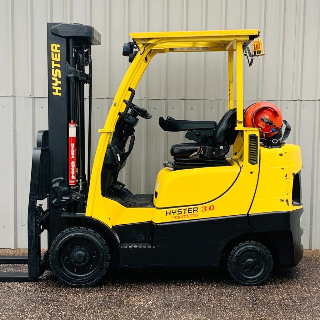 HYSTER S3.0FT #3210 WhatsApp Image 2021-01-19 at 3.56.04 PM (1)