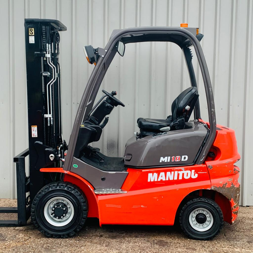 MANITOU ML18D #3300 SERIAL 859392 WhatsApp Image 2021-03-01 at 2.01.30 PM (1)