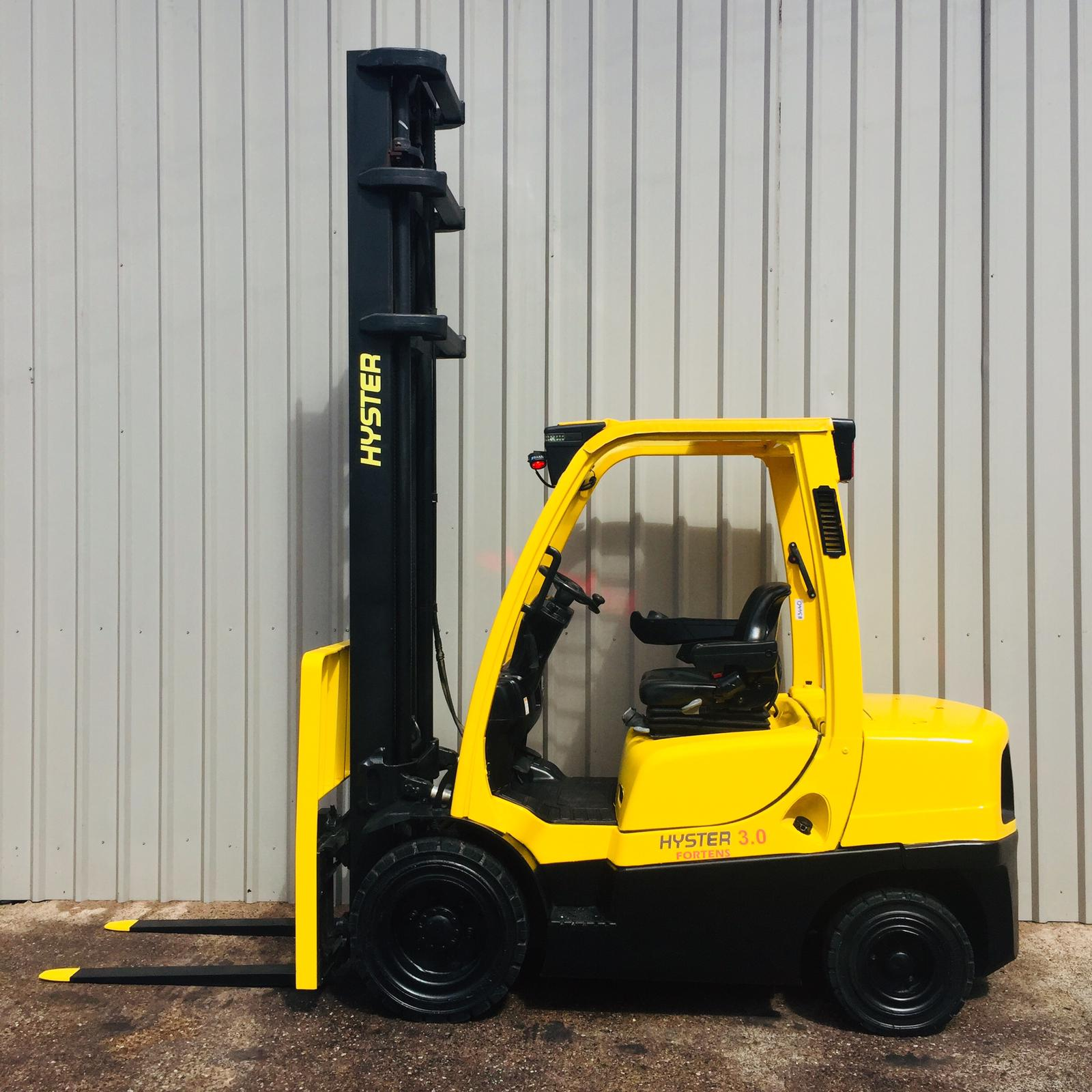 HYSTER H3.0FT L177B33223J #3440 WhatsApp Image 2021-05-17 at 11.12.08 AM (1)