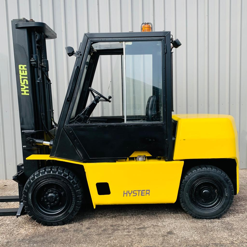 HYSTER H4.00XL #3329 WhatsApp Image 2021-04-06 at 1.30.33 PM (1)