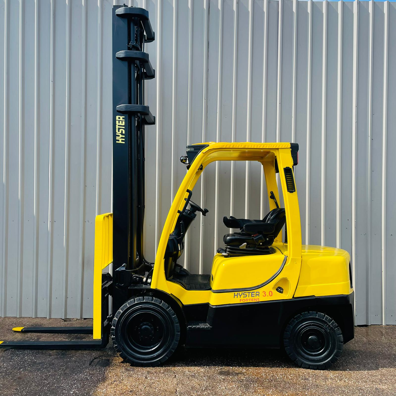 HYSTER H3.0FT #3472 L177B33242J WhatsApp Image 2021-07-14 at 11.21.59 AM (1)